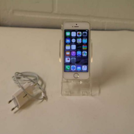 iPhone 44SiPod verkkovirtalaturi e
